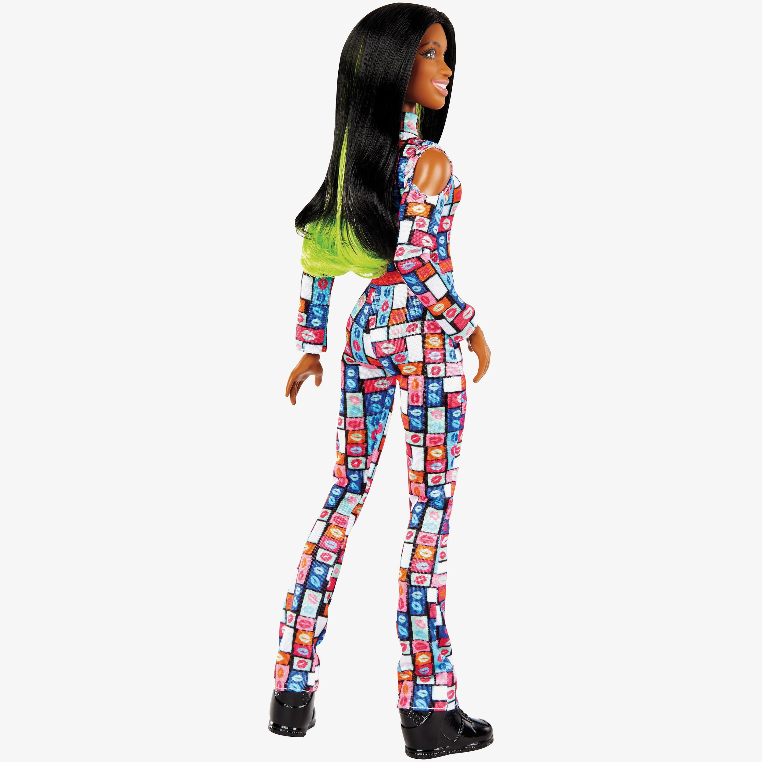Naomi 12 Inch Wwe Fashion Doll With Exra Accessories
